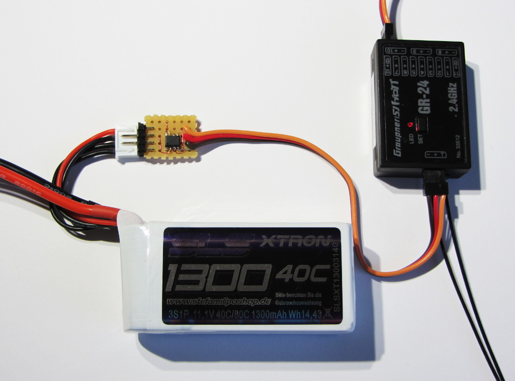 HoTT sensor with battery and receiver